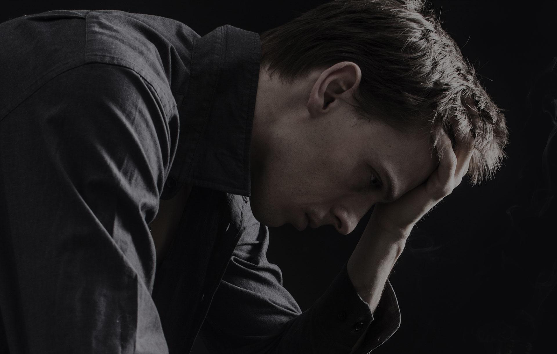 Почему с похмелья депрессия и тревога: как легко выйти?